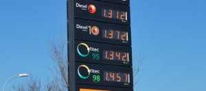 Panel-precios-gasolinera_ECDIMA20141220_0001_16